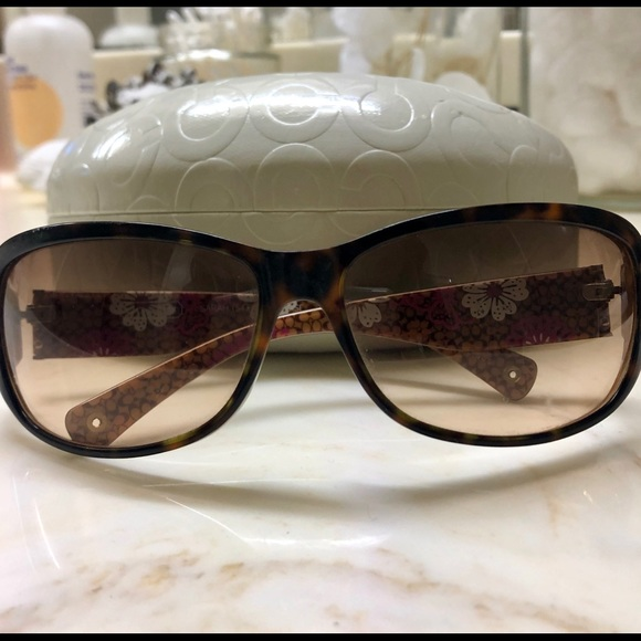 659416161eb8a Coach Accessories - Authentic Coach sunglasses